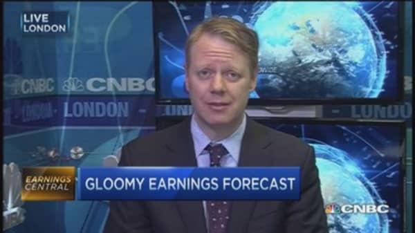 Gloomy forecast for next quarter EPS
