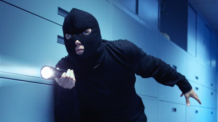 Thief with mask
