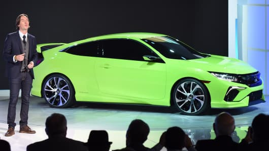 Honda designer Guy Melville-Brown introduces the Honda Civic Concept during a media conference at the 2015 New York Auto Show, April 1, 2015.