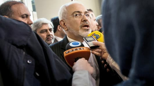 Iranian Foreign Minister Javad Zarif speaks with the Iranian media at the Beau Rivage Palace Hotel, March 27, 2015, in Lausanne, Switzerland.