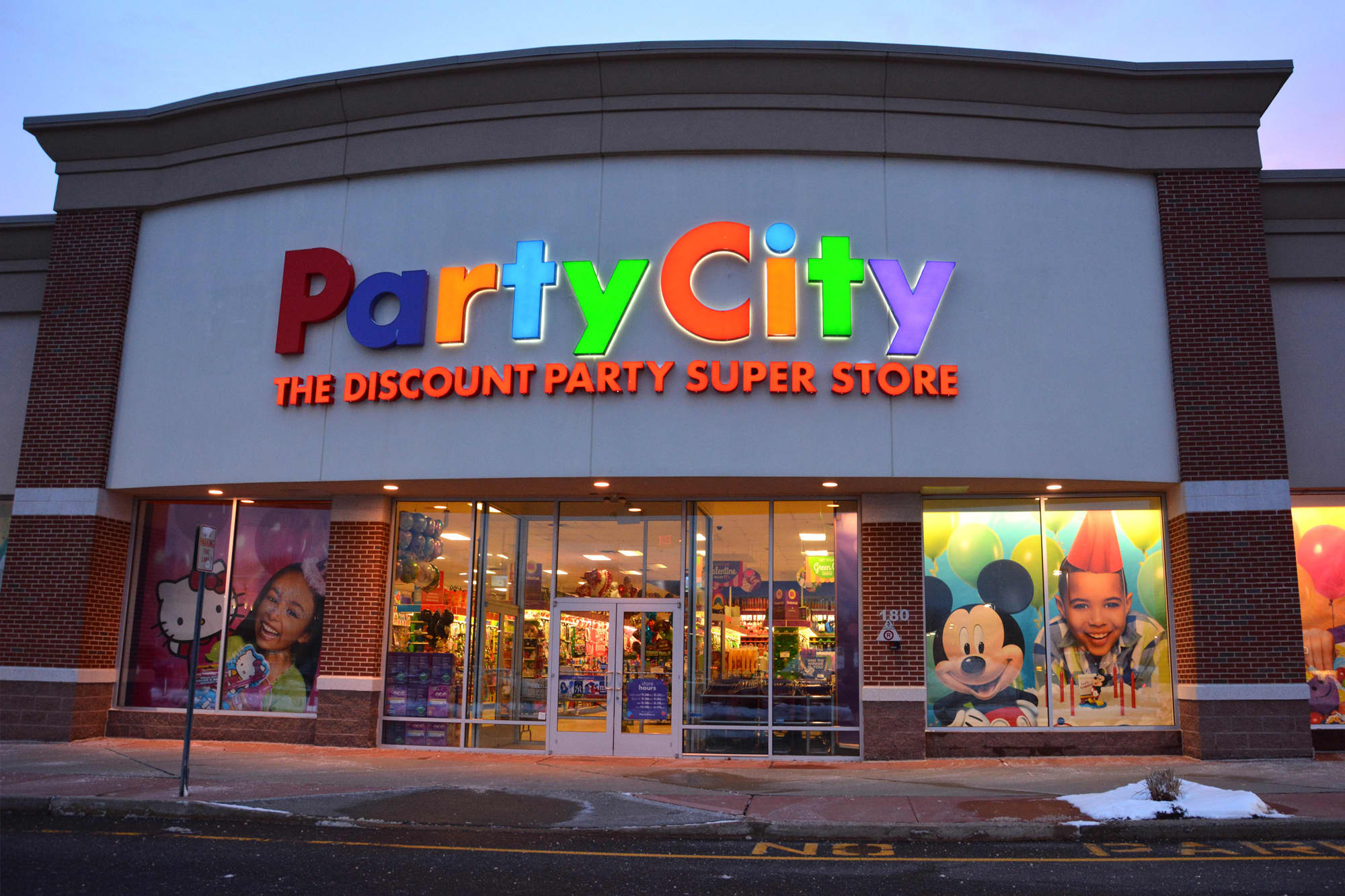 Another Retailer Lands A Deal With Amazon This Time Its Party City
