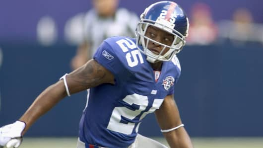New York Giants' cornerback Will Allen defends during a game against the Cleveland Browns in East Rutherford, N.J., Sept. 26, 2004.