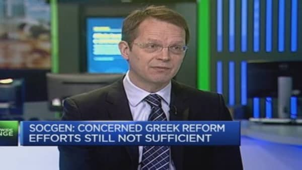 SocGen: 10% chance of sustainable deal for Greece