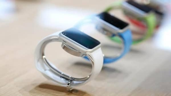 Apple Watch customer line up in London