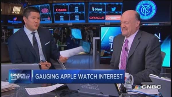 Cramer: Apple Watch pre-orders mean success