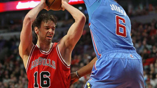 Pau Gasol of the Chicago Bulls wearing a Los Bulls uniform, March 1, 2015, in Chicago.