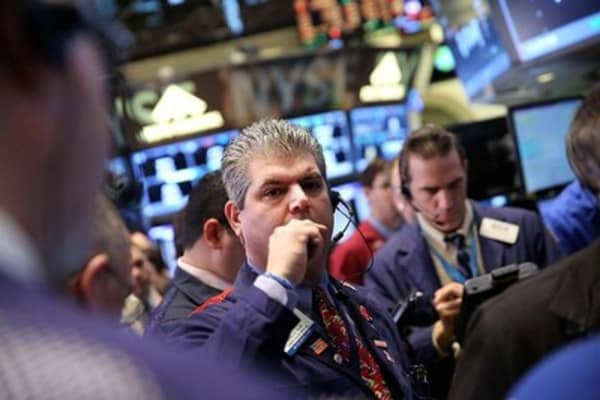 Economic reports, earnings to dominate Wall Street
