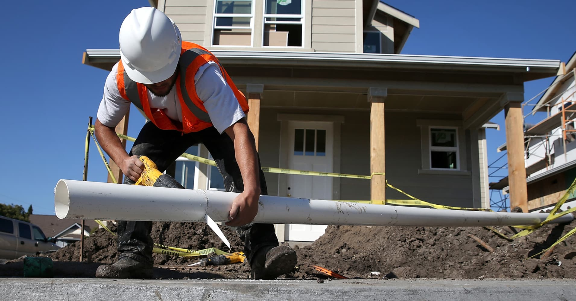 US housing starts total 1.35 million in May, vs 1.31 million starts expected