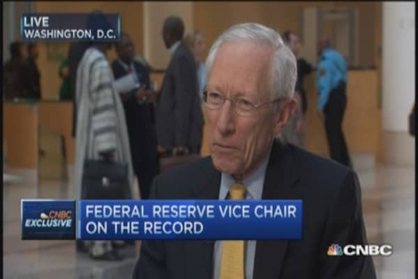 Market uneven, not growing spectacularly: Fischer