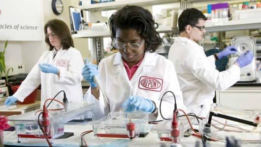 DuPont research scientists at work in a biobutanol molecular biology lab