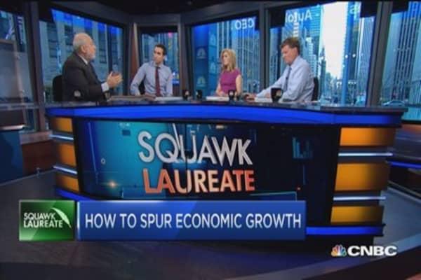 Joseph Stiglitz: Saving private sector