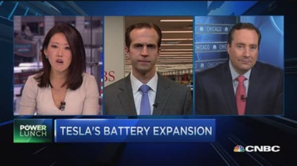 Tesla: Battery front runner?