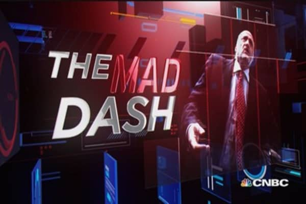 Cramer's Mad Dash: AT&T & Domino's