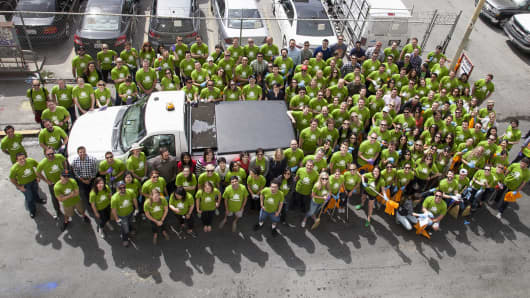 Zendesk employees participate in the company's annual Community Service Day.