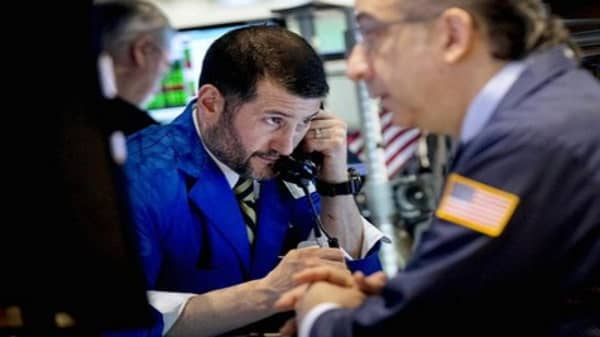 Wall Street looks to finish week strong