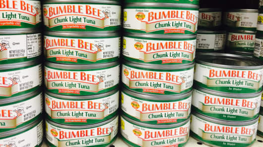 Bumblebees chunk light tuna can food.