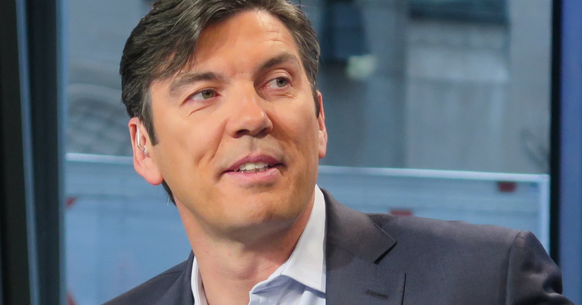 Tim Armstrong launches the dtx company, focused on direct-to-consumer