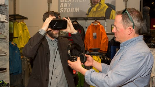 The North Face uses virtual reality to entice shoppers into stores.