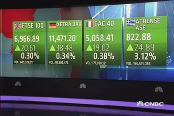 Europe shares end mixed amid euro strength