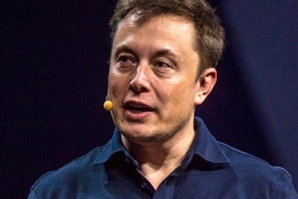 Tesla unveils home battery unit