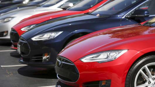 Tesla S automobiles