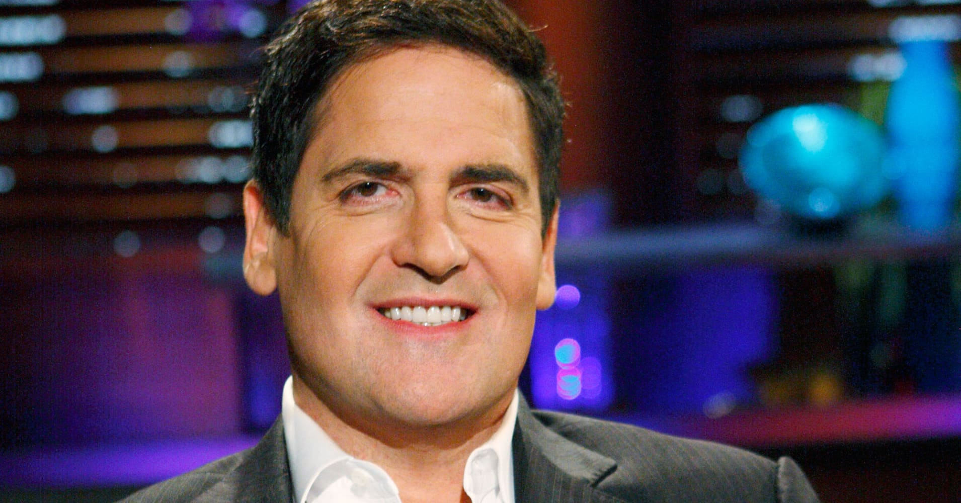 an analysis of mark cuban Mark cuban, the outspoken owner of the dallas mavericks, is worth an estimated $33 billion, according to forbes while the majority of this wealth can be attributed to two transactions he made during the dot-com era, he is a born entrepreneur and has been buying, trading, profiting and schmoozing his.