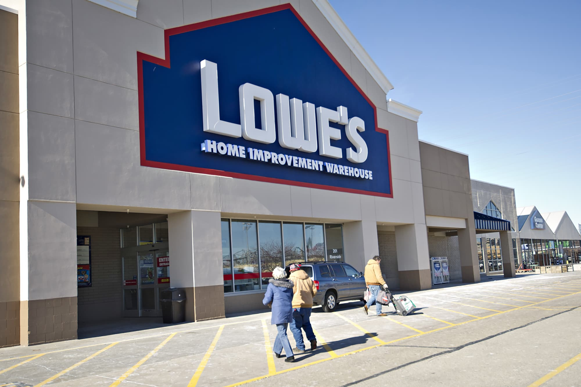 lowe s halts sales of chinese flooring over formaldehyde fears