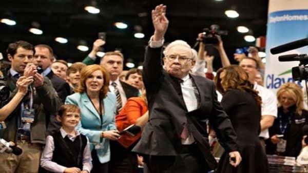 Buffett's 50th anniversary cake