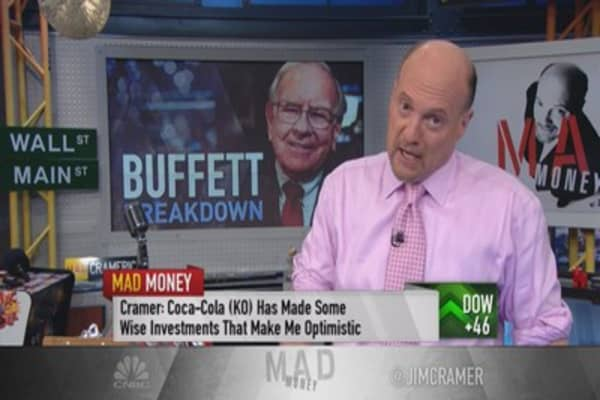 Cramer breaks down Buffett's biggest investments