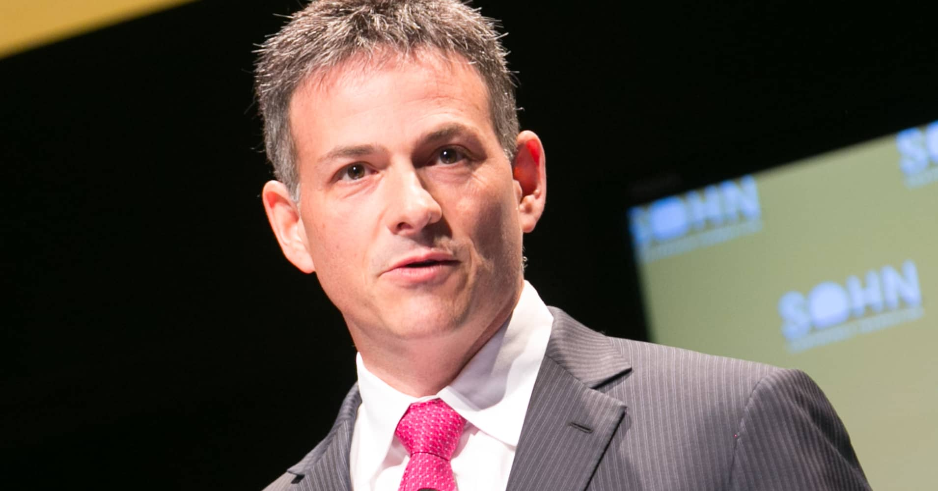 here u0026 39 s how david einhorn is trading the donald trump agenda