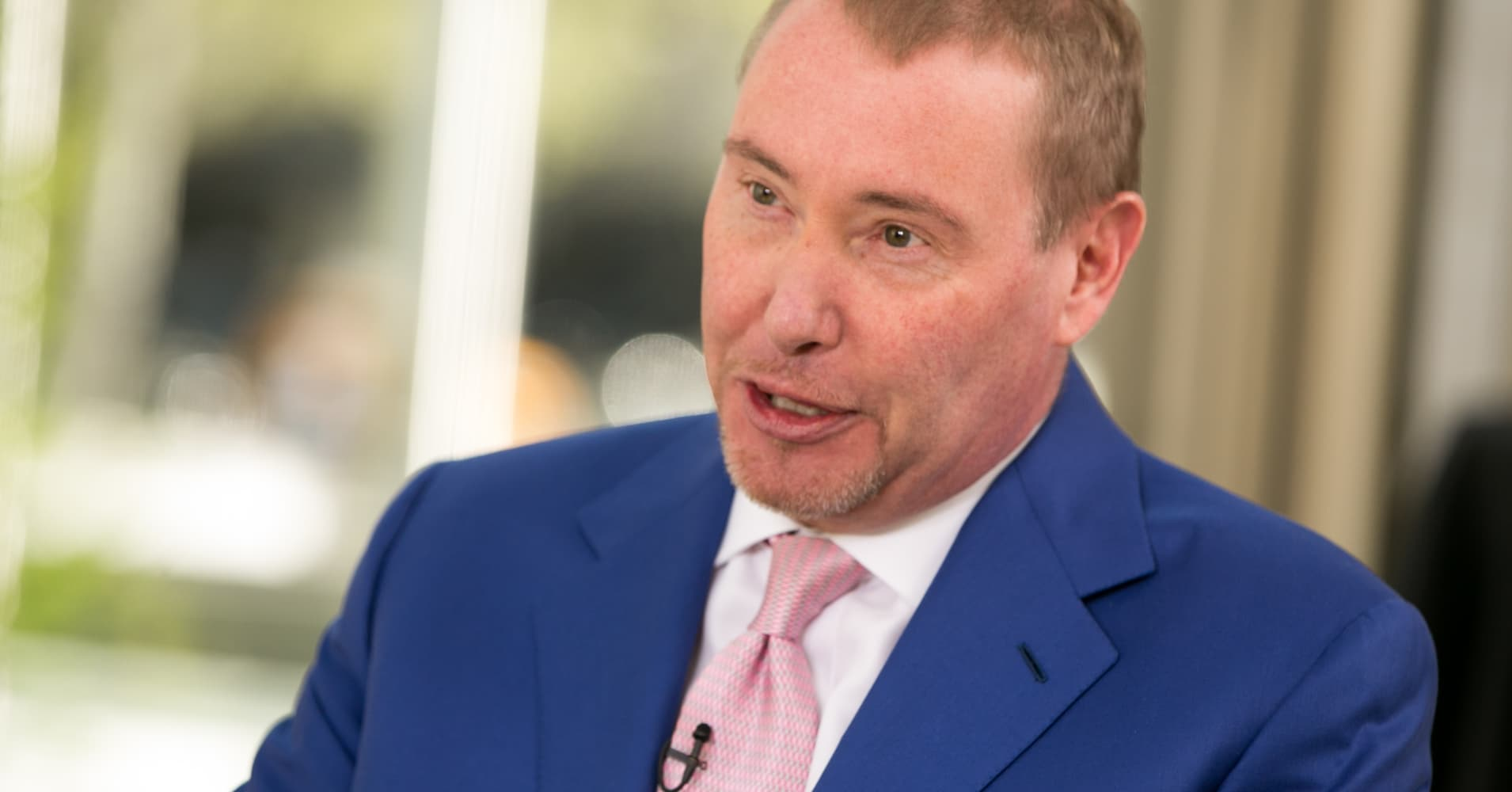 Jeffrey Gundlach says the S&P 500 is headed to new lows: 'I'm pretty sure this is a bear market'