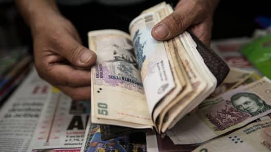 Argentine peso bills