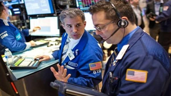 Wall Street seeks recovery after stumble