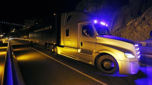 Freightliner unveils its Inspiration self-driving truck during an event at the Hoover Dam Tuesday, May 5, 2015, near Boulder City, Nev.