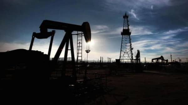 Oil rally fueled by US dollar: Pro