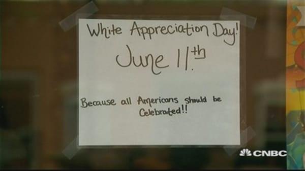 BBQ restaurant plans 'White Appreciation Day'