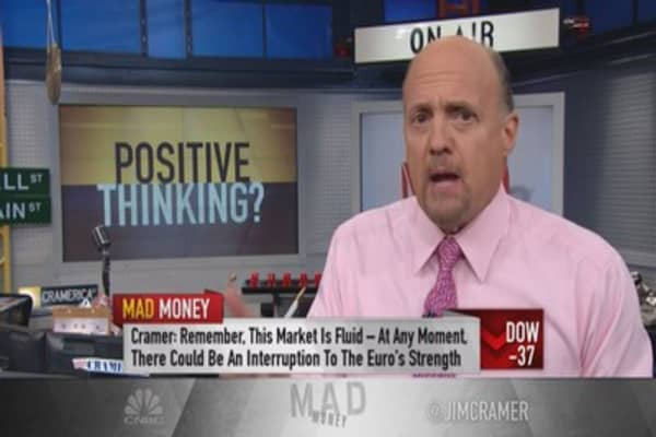 Cramer: Worry about rates? Don't be silly
