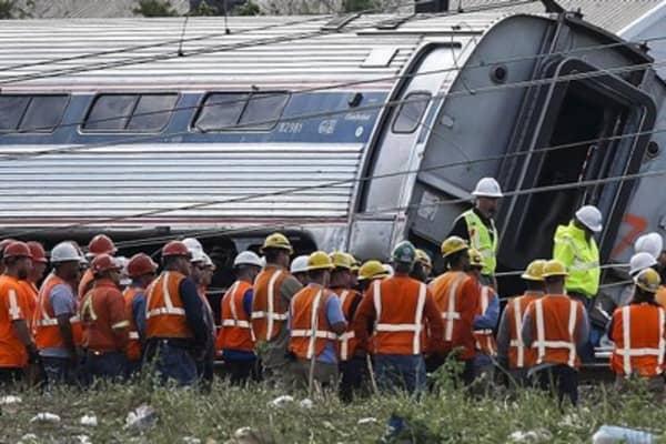 Seven dead after Amtrak derailment