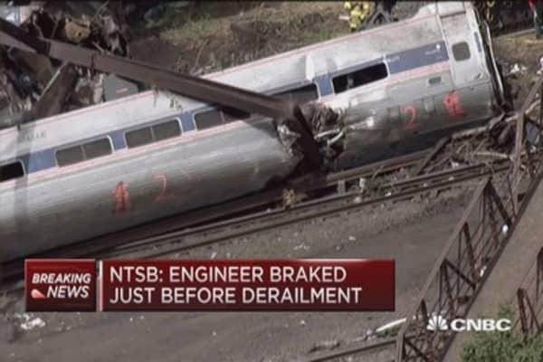 NTSB: Engineer hit brakes before derailment