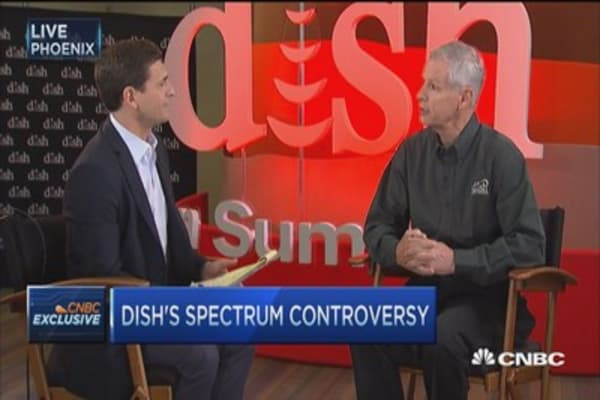 Dish chairman Charlie Ergen's wireless spectrum bet: time running out