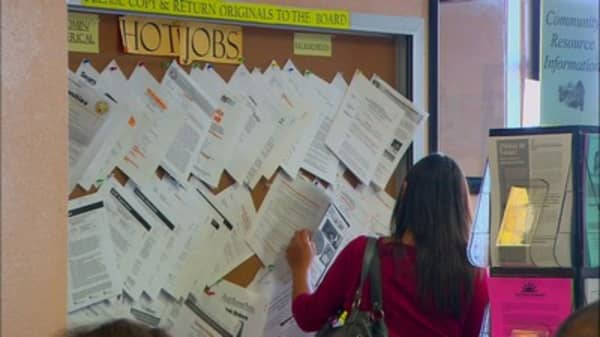 US jobless claims fall