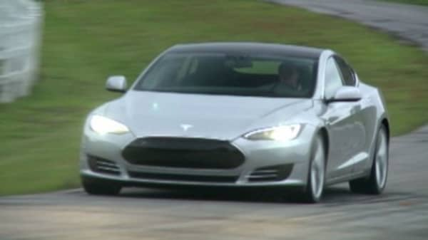 Consumer Reports reviews new Tesla Model S