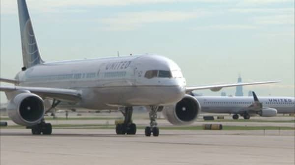Security expert hacks into plane controls