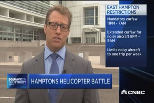 Helicopter halt in the Hamptons