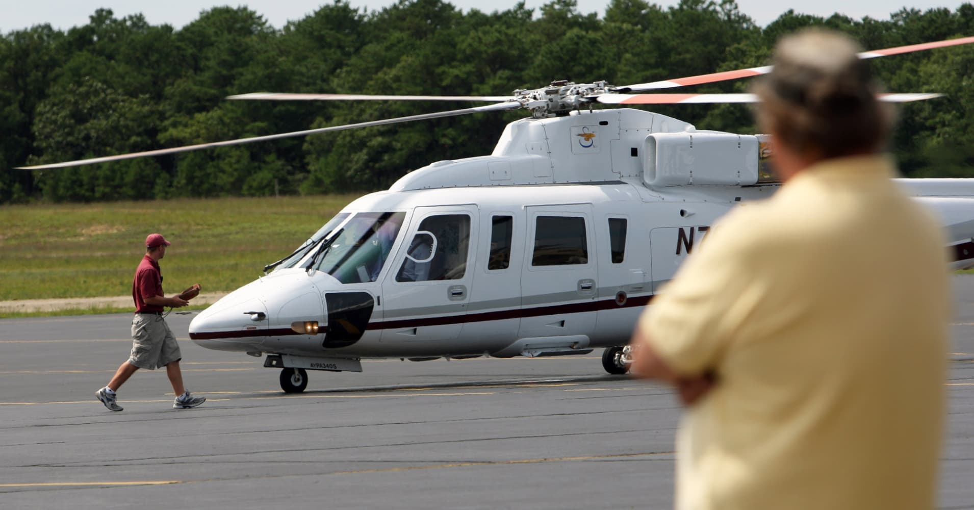 Helicopters Allowed To Fly To Hamptonsfor Now