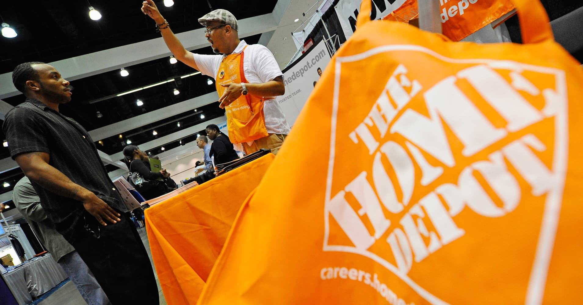 Home Depot shares hit all-time high as housing momentum swells, company advances mobile initiatives