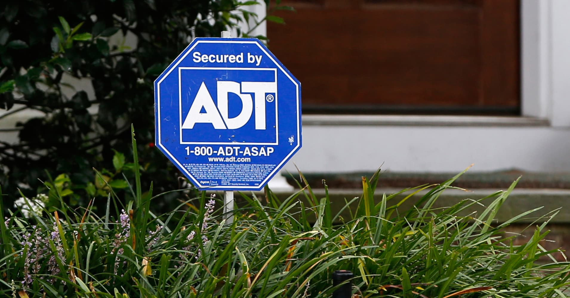 Home security firm ADT's outlook disappoints, shares sink 10%