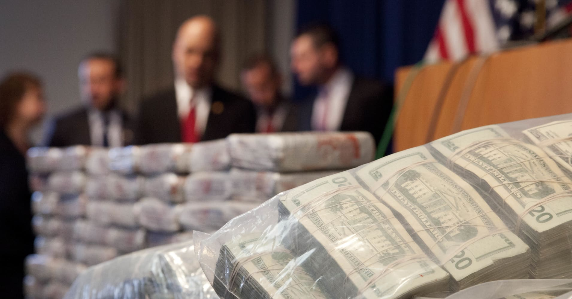 $50 In Pounds >> Authorities make record heroin bust in the Bronx
