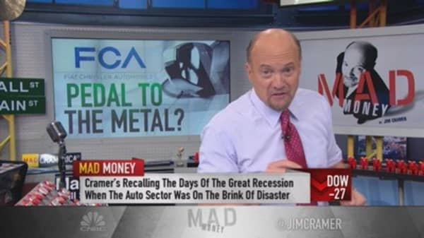 Cramer: Fiat Chrysler trouncing Ford & GM