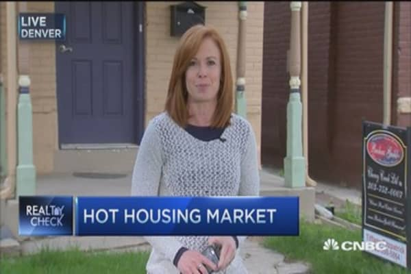 Denver's hot housing market sparks bidding wars
